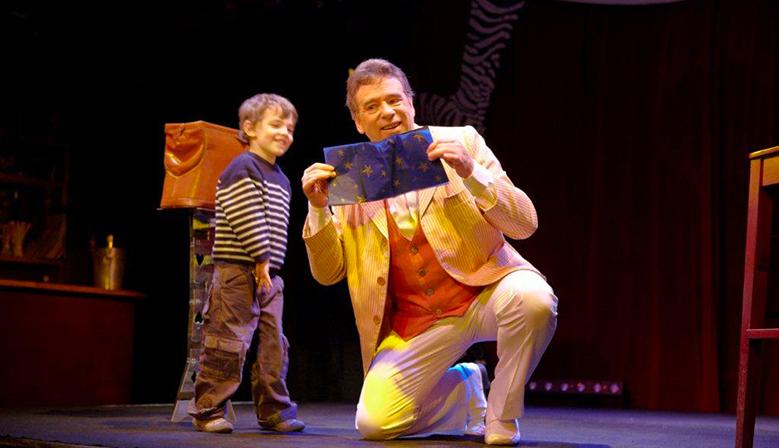 Peter Din dans le Magicien Voyageur au Zèbre de Belleville (photo Damien Letorey)
